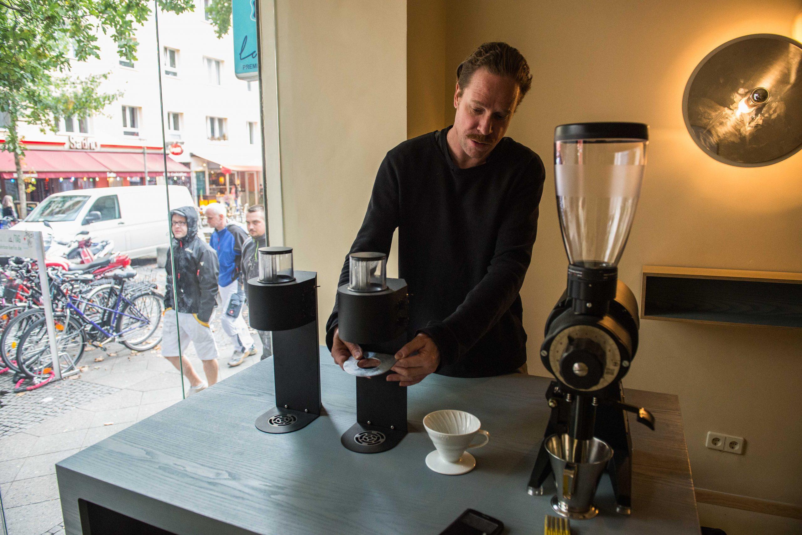 'Iedere wijn proeft anders en dat hoort bij koffie ook zo te zijn' Foto: Pieter Heijboer