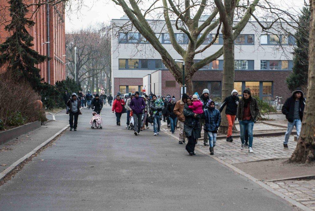 Achter op het terrein is de noodkliniek waar de migrant met bevriezingsverschijnselen is binnengebracht. Foto: Pieter Heijboer.