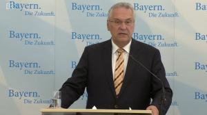 Persconferentie minister Joachim Hermann BiZa van de deelstaat Beieren.