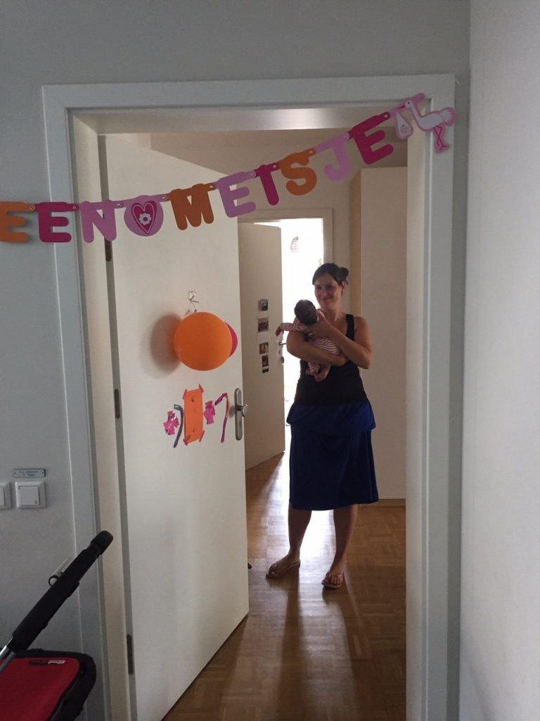Hoera, een meisje: in Duitsland hangt niemand slingers op. Foto: Ulrike Nagel